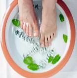 Охладить ноги в воде
