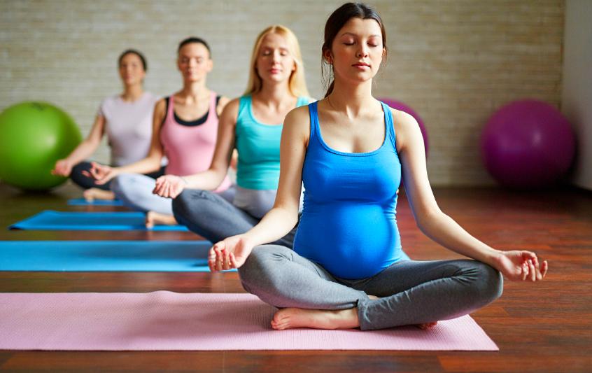 Абонемент купить в фитнес-цент или на занятия йогой для беременных женщин